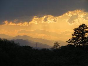 三頭山と夕焼け